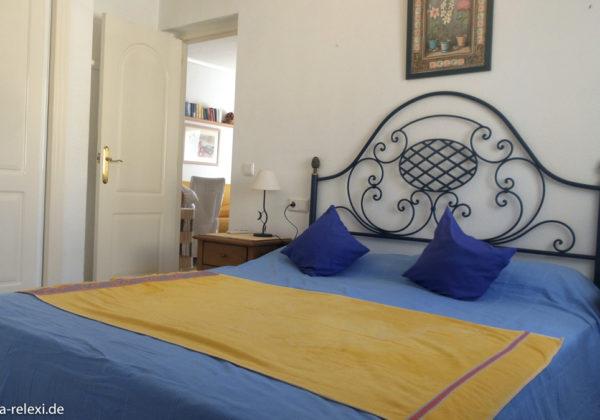 Schlafzimmer mit angrenzendem en suite Bad